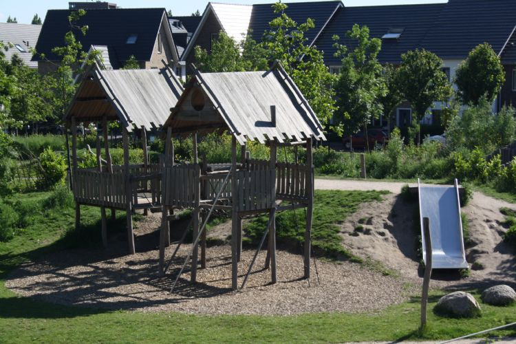 Speelhuisjes in speeltuin De Hoef in Utrecht