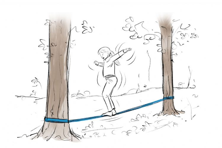 Twee bomen omtoveren tot een circuspiste