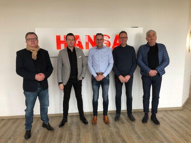 De directie van Gebr. Bonenkamp met Dian van Est, Bertho Hol en Harrie van Welie (v.l.n.r.) en de twee Hansa-directeuren