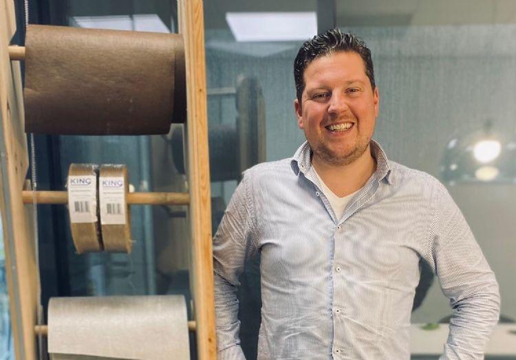 Sean Helmus van King Rootbarrier