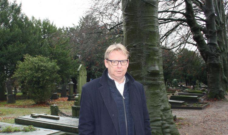 Franc Korsten, bestuurder van de begraafplaats Daalseweg in Nijmegen