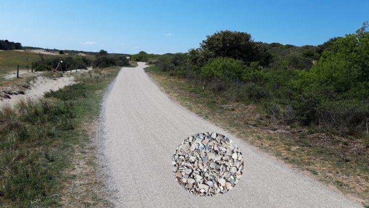 In opdracht van de gemeente Schouwen-Duiveland heeft Terrastab in Renesse een fietspad van zo'n 7,5 kilometer aangelegd. Het halfverharde pad is afgestrooid met schelpen om het natuurlijke beeld te behouden.