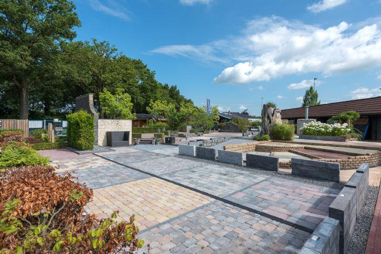 De Buiter Beton showtuin van 5000 m2 is voor zakelijke klanten 24/7 bereikbaar