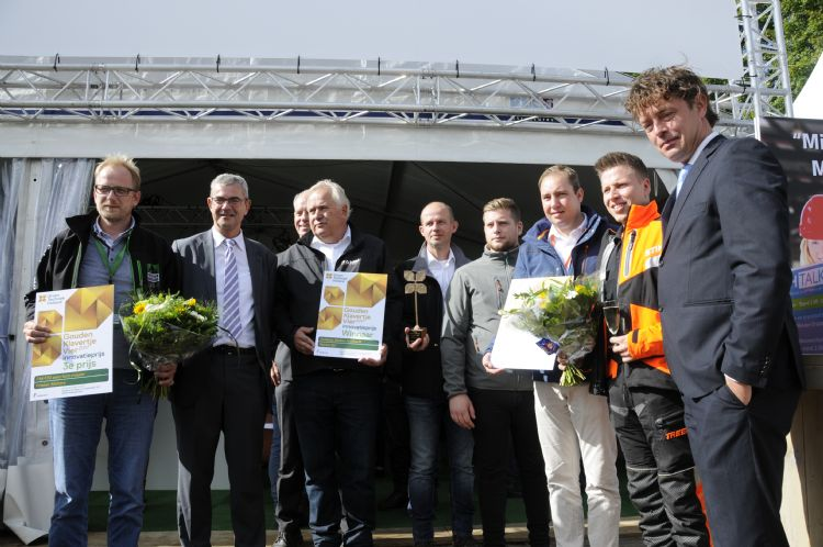 Ramm won in 2017 het Gouden Klavertje Vier met de Oeliatec Co2-neutraal heetwater onkruidmachine.
