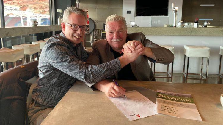 Chiel Berndsen (Altop) en Frans van Seumeren (FC Utrecht). Foto: Altopgroep.nl