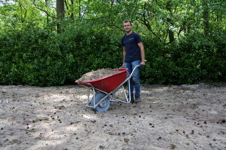 Gebruiker Perry van der Sande: 'De E-barrow heeft ook voordelen in een lege tuin!'