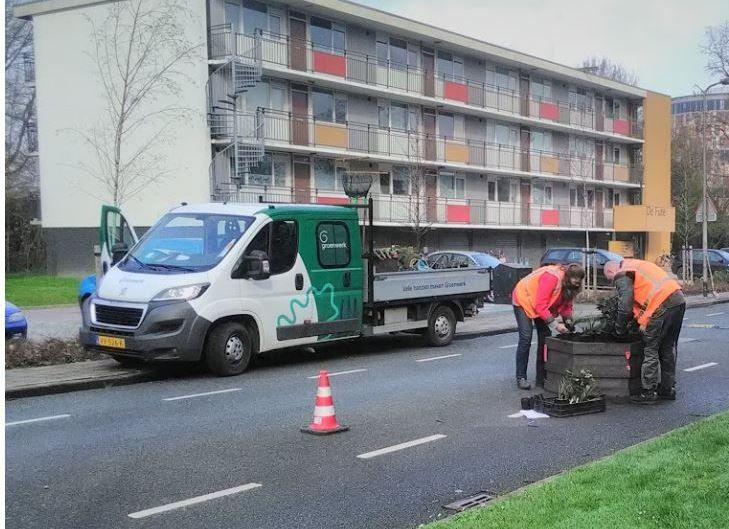 GroenwerkXL en Axent Groen nemen in Zutphen ook de taak op zich bewoners bij het onderhoud te betrekken.
