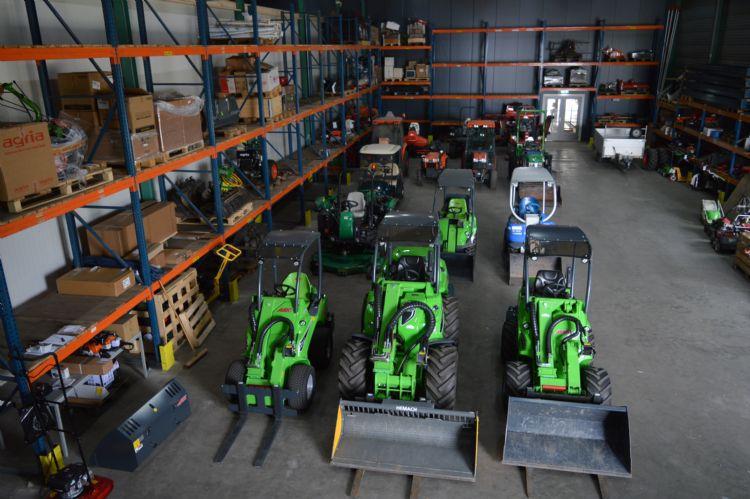 Gebruikte machines staan klaar voor de verkoop in de nieuwe vestiging in Tiel