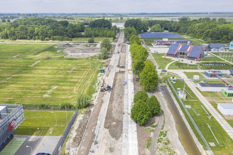 Het 'antislipvoetpad' van Zwaagstra Beton tijdens de aanleg op de Zernike Campus in Groningen. Foto: Zwaagstra Beton
